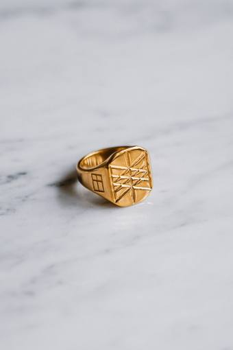 Web of Wyrd Signature Ring Goldton.